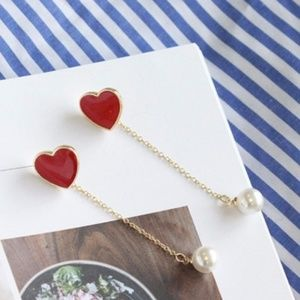 Dangle Valentines earrings with heart and pearl